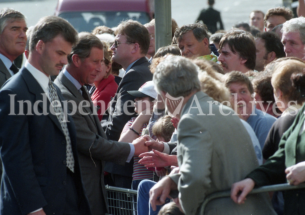 98 Prince Charles greeting the people of Omagh after visiting the injured in Tyrone Co. Hospital. following the bombings 18/8/98 (Part of the Independent Newspapers Ireland/NLI Collection)