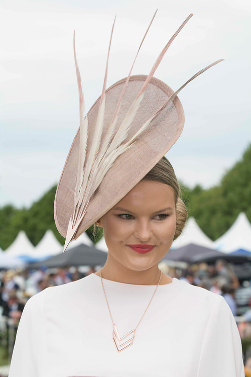 Eleanor Campbell winner of the Fashion in the Field Best dressed  Woman contest, Riccarton Racecourse, Christchurch, New Zealand, Saturday, 14 November, 2015.  <br /> Credit:SNPA / David Alexander