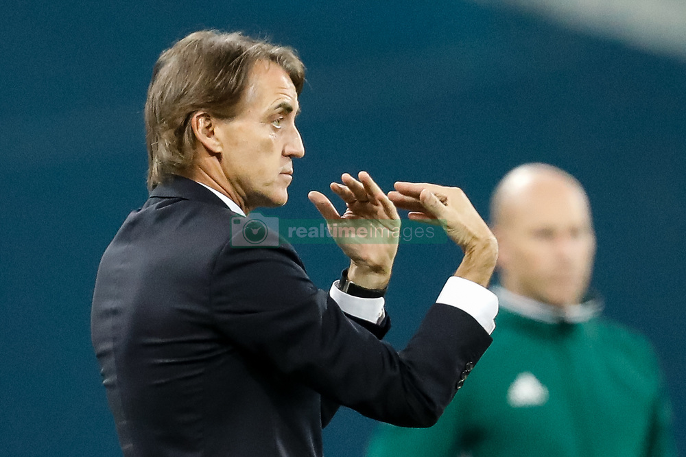 November 23, 2017 - Saint Petersburg, Russia - FC Zenit Saint Petersburg head coach Roberto Mancini gestures during the UEFA Europa League Group L match between FC Zenit St. Petersburg and FK Vardar at Saint Petersburg Stadium on November 23, 2017 in Saint Petersburg, Russia. (Credit Image: © Mike Kireev/NurPhoto via ZUMA Press)