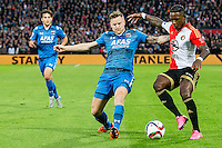 ROTTERDAM - Feyenoord - AZ , Voetbal , Eredivisie, Seizoen 2015/2016 , Stadion de Kuip , 25-10-2015 , AZ speler Mattias Johansson (l) in duel met Speler van Feyenoord Eljero Elia (r)