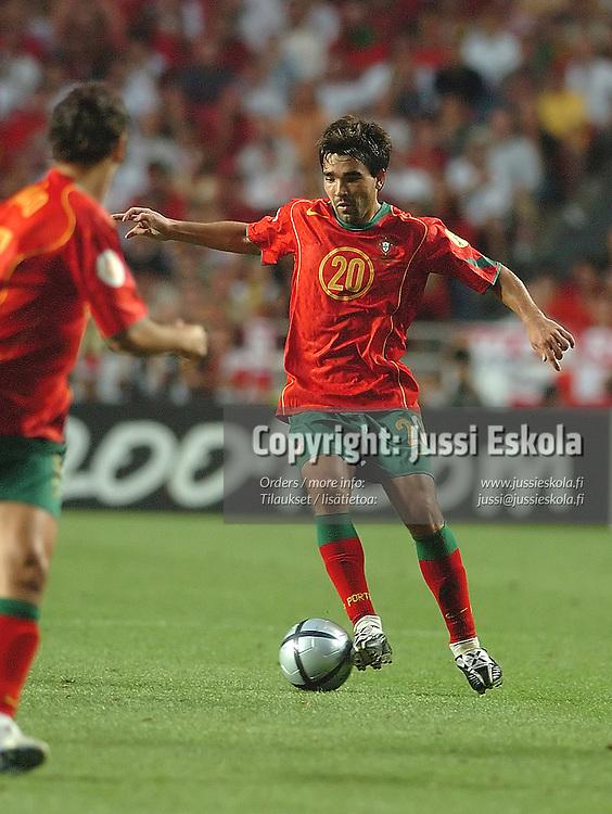 Deco, Portugal-England 24.6.2004.&amp;#xA;Euro 2004.&amp;#xA;Photo: Jussi Eskola<br />