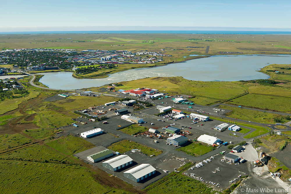 Selfoss séð til suðvesturs. Iðnaðarhverfi fremst.  Sveitarfélagið Árborg /  Selfoss viewing southwest,  Industrial region in foreground. Sveitarfelagid Arborg.