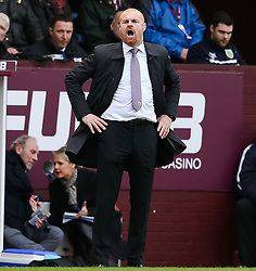 Burnley Manager Sean Dyche shouts instructions to his players - Photo mandatory by-line: Matt McNulty/JMP - Mobile: 07966 386802 - 28/02/2015 - SPORT - Football - Burnley - Turf Moor - Burnley v Swansea City - Barclays Premier League