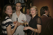 Rebecca Wilson, Geoff Dyer and Isabella Macpherson, Launch of  Paula Rae Gibson's'Diary of A Love Addict' Sketch. 10 May 2006. ONE TIME USE ONLY - DO NOT ARCHIVE  © Copyright Photograph by Dafydd Jones 66 Stockwell Park Rd. London SW9 0DA Tel 020 7733 0108 www.dafjones.com