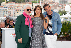 Antonio Banderas poses at the photocall of 'Pain and Glory' during the 72nd Cannes Film Festival at Palais des Festivals at Palais des Festivals in Cannes, France, on 18 May 2019. Photo: Vinnie Levine. 18 May 2019 Pictured: Pedro Almodovar (l-r), Penelope Cruz and Antonio Banderas attend the photocall of 'Pain and Glory' during the 72nd Cannes Film Festival at Palais des Festivals at Palais des Festivals in Cannes, France, on 18 May 2019. Photo: Vinnie Levine. Photo credit: 2019 Hubert Bösl / MEGA TheMegaAgency.com +1 888 505 6342