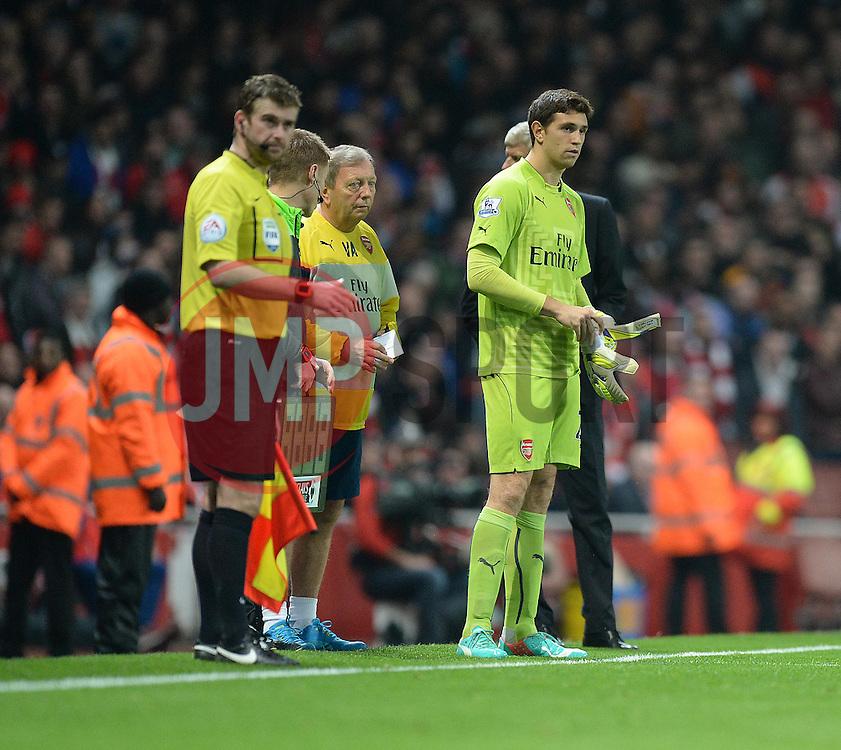 Arsenal's Damian Martinez prepares to come on.  - Photo mandatory by-line: Alex James/JMP - Mobile: 07966 386802 - 22/11/2014 - Sport - Football - London - Emirates Stadium - Arsenal v Manchester United - Barclays Premier League