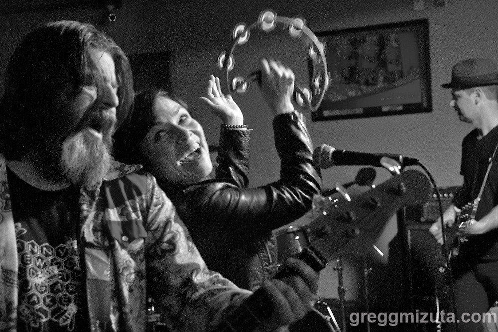 Danny Newcomb and the Sugarmakers (L to R: Rick Friel, Faith Stankevich, Danny Newcomb) perform at the Vista Bar on June 18, 2016 in Boise, Idaho. (Gregg Mizuta/greggmizuta.com)<br /> <br /> Members: Rick Friel, Faith Stankevich, Matt Jorgensen and Danny Newcomb.<br /> <br /> Band lineup: Danny Newcomb and the Sugarmakers, Lovey, Groggy Bikini, and the Piston Bully