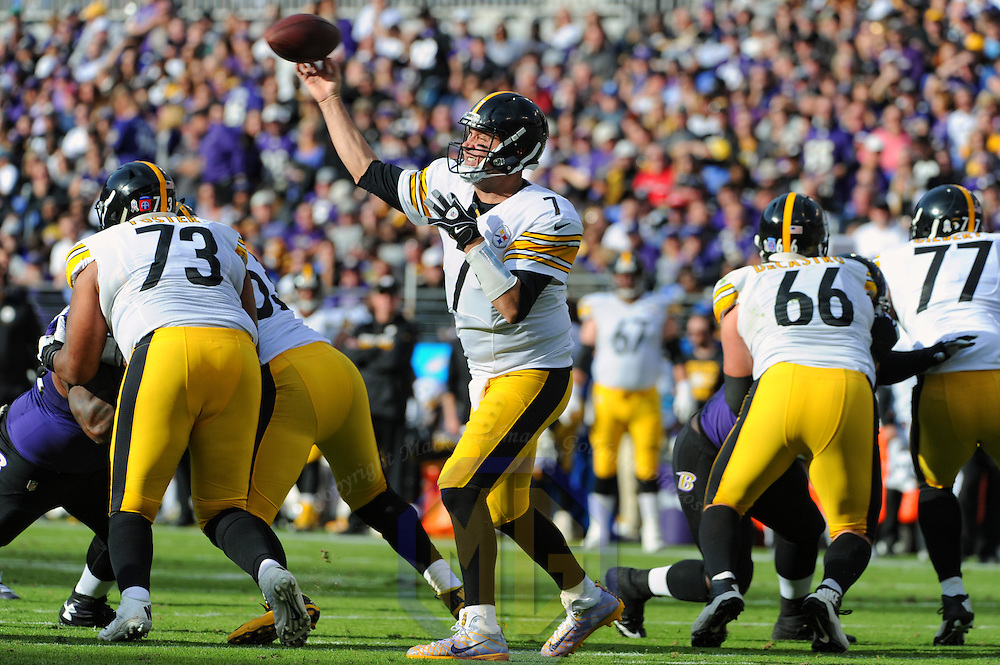 BALTIMORE, MD - NOVEMBER 06: Pittsburgh Steelers quarterback Ben Roethlisberger (7) attempts a pass against the Baltimore Ravens in the second quarter on November 6, 2016, at M&T Bank Stadium in Baltimore, MD.  (Photo by Mark Goldman/Icon Sportswire)