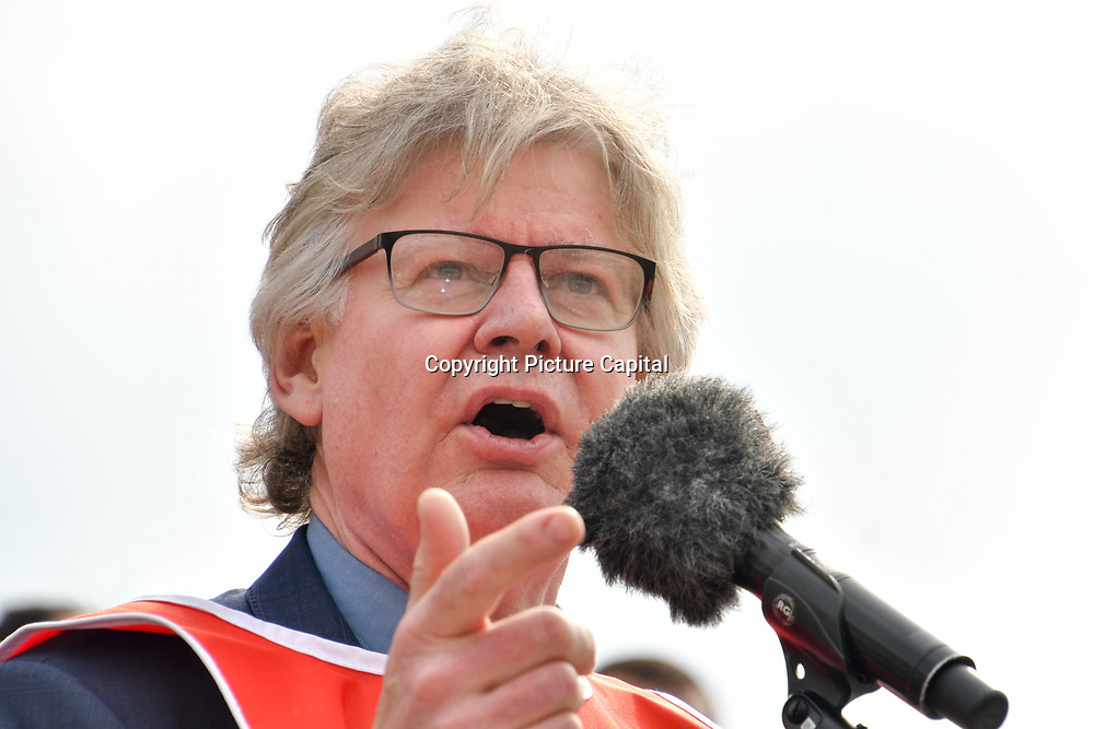 London, UK. 1st May, 2019.  Speakers Tony Lennon - LESE at The annual May Day rally in Trafalgar Square on May 1st, 2019 in London.