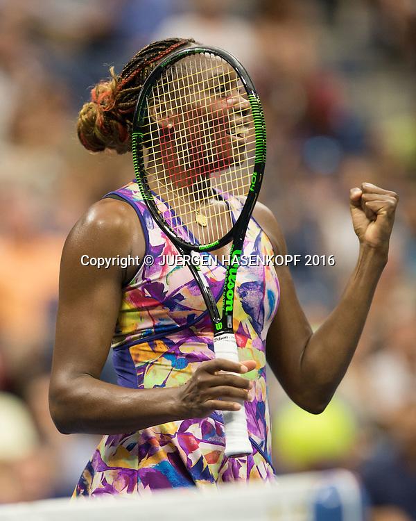 VENUS WILLIAMS (USA) jubelt nach ihrem Sieg, Jubel,Emotion, Freude,<br /> <br /> Tennis - US Open 2016 - Grand Slam ITF / ATP / WTA -  USTA Billie Jean King National Tennis Center - New York - New York - USA  - 1 September 2016.