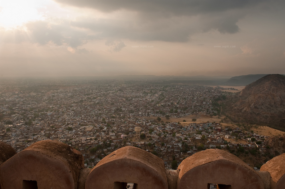 The view of the city is stunning from the top of Nahargarh fort at the basic but well located Padao Cafe