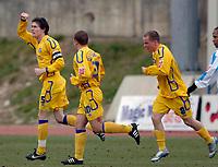Photo: Daniel Hambury.<br />Brighton & Hove Albion v Leicester City. Coca Cola Championship. 11/02/2006.<br />Leicester's Patrick McCarthy (L) celebrates his goal.