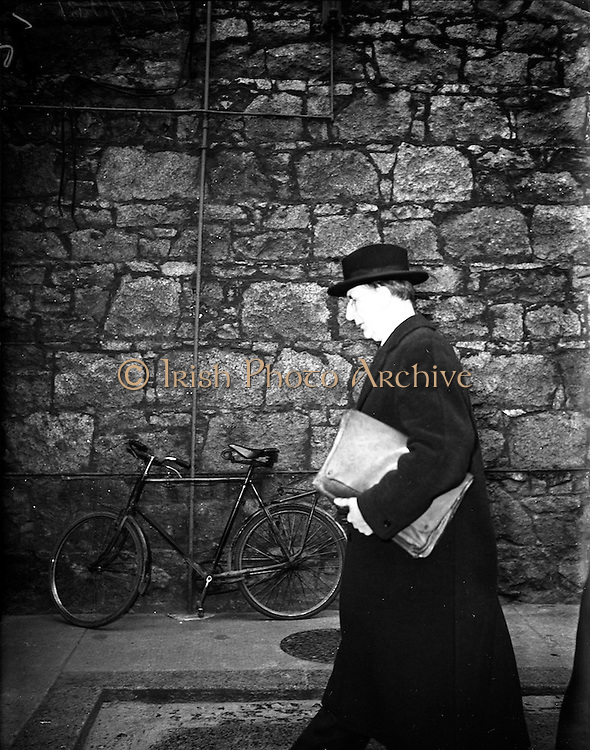 04/02/1953<br />