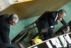 """08.03.2016, Parlament, Wien, AUT, Parlament, Nationalratssitzung, Sondersitzung des Nationalrates mit einer Dringlichen Anfrage der NEOS zum Thema """"Reformpanne – Pensionssystem ungebremst auf Crashkurs!"""", im Bild v.l.n.r. Bundesminister für Finanzen Hans Jörg Schelling (ÖVP) und Bundesminister für Arbeit, Soziales und Konsumentenschutz Alois Stöger (SPÖ) // f.l.t.r. Austrian Minister of Finance Hans Joerg Schelling and Austrian Minister of state for employment, social affairs and consumerism Alois Stoeger during meeting of the National Council of austria at austrian parliament in Vienna, Austria on 2016/03/08, EXPA Pictures © 2016, PhotoCredit: EXPA/ Michael Gruber"""