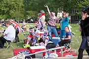CELEBRATING, The Royal Wedding of Prince William and  Catherine Middleton. Scenes around Buckingham Palace and the Mall.   London. 29 April 2011. , -DO NOT ARCHIVE-© Copyright Photograph by Dafydd Jones. 248 Clapham Rd. London SW9 0PZ. Tel 0207 820 0771. www.dafjones.com.