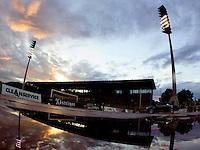 Jena , 250806 , Saison 2006/2007 ; Fussball 2.Bundesliga FC Carl Zeiss Jena - 1.FC Koeln  Stadionuebersicht des Ernst Abbe Sportfeld in der Abenddaemmerung