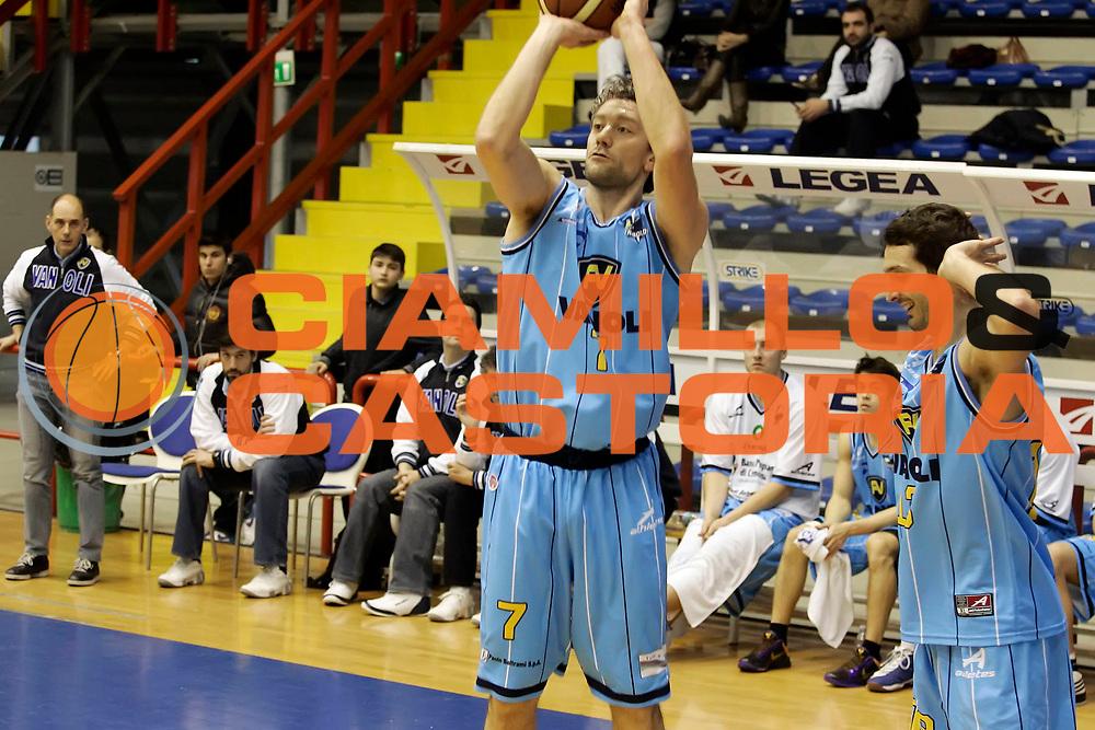 DESCRIZIONE : Napoli Lega A 2009-10 Nuova AMG Sebastiani Napoli Vanoli Cremona<br /> GIOCATORE : Andrea Conti<br /> SQUADRA : Vanoli Cremona<br /> EVENTO : Campionato Lega A 2009-2010 <br /> GARA : Nuova AMG Sebastiani Napoli Vanoli Cremona<br /> DATA : 07/03/2010<br /> CATEGORIA : tiro<br /> SPORT : Pallacanestro <br /> AUTORE : Agenzia Ciamillo-Castoria/A.De Lise<br /> Galleria : Lega Basket A 2009-2010 <br /> Fotonotizia : Napoli Campionato Italiano Lega A 2009-2010 Nuova AMG Sebastiani Napoli Vanoli Cremona<br /> Predefinita :
