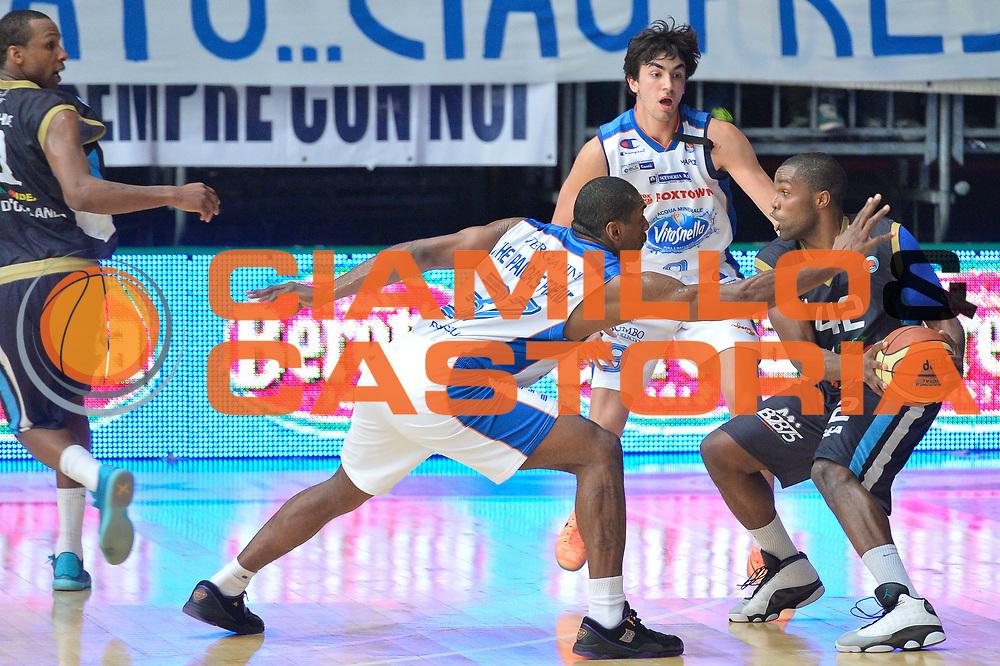 DESCRIZIONE : Cant&ugrave; Lega A 2014-15 Acqua Vitasnella Cant&ugrave; Upea Capo D'Orlando<br /> GIOCATORE : Folarin Campbell<br /> CATEGORIA : Controcampo palleggio difesa curiosit&agrave;<br /> SQUADRA : Upea Capo D'Orlando<br /> EVENTO : Campionato Lega A 2014-2015<br /> GARA : Acqua Vitasnella Cant&ugrave; Upea Capo D'Orlando<br /> DATA : 04/04/2015<br /> SPORT : Pallacanestro <br /> AUTORE : Agenzia Ciamillo-Castoria/I.Mancini<br /> Galleria : Lega Basket A 2014-2015  <br /> Fotonotizia : Cant&ugrave; Lega A 2014-2015 Acqua Vitasnella Cant&ugrave; Upea Capo D'Orlando<br /> Predefinita :