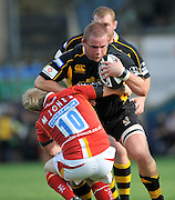 Wycombe, GREAT BRITAIN, Wasps Phil VICKERY, pushes through Matt JONES tackle, during the Guinness Premiership match,  London Wasps vs Worcester Warriors at Adam's Park Stadium, Bucks on Sun 14.09.2008. [Photo, Peter Spurrier/Intersport-images]