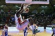 DESCRIZIONE : Campionato 2014/15 Giorgio Tesi Group Pistoia - Acqua Vitasnella Cantù<br /> GIOCATORE : Tony Easley<br /> CATEGORIA : special schiacciata sequenza<br /> SQUADRA : Giorgio Tesi Group Pistoia<br /> EVENTO : LegaBasket Serie A Beko 2014/2015<br /> GARA : Giorgio Tesi Group Pistoia - Acqua Vitasnella Cantù<br /> DATA : 30/03/2015<br /> SPORT : Pallacanestro <br /> AUTORE : Agenzia Ciamillo-Castoria/GiulioCiamillo<br /> Galleria : LegaBasket Serie A Beko 2014/2015<br /> Fotonotizia : Campionato 2014/15 Giorgio Tesi Group Pistoia - Acqua Vitasnella Cantù<br /> Predefinita :