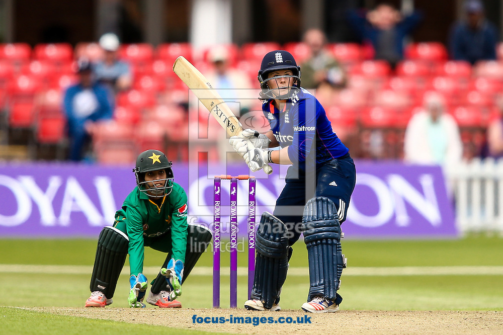 Tammy Beaumont of England during the Royal London One Day Series match at Fischer County Ground, Leicester<br /> Picture by Andy Kearns/Focus Images Ltd 0781 864 4264<br /> 21/06/2016