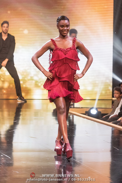 NLD/Amsterdam/20161025 - finale Holland Next Top model 2016, model Colette Kanza