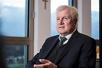 10 DEC 2016, BERLIN/GERMANY:<br /> Horst Seehofer, CSU, Bundesinnenminister, waehrend einem Interview, in seinem Buero, Bundesinnenministerium<br /> IMAGE: 20181210-02-013<br /> KEYWORDS; B&uuml;ro