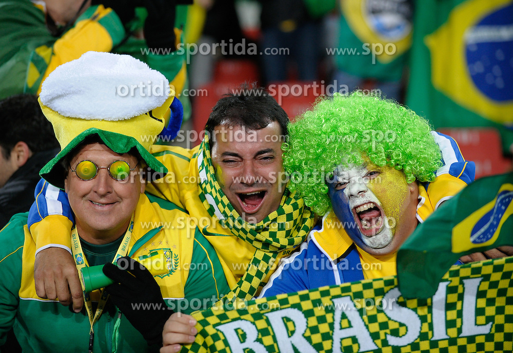 15.06.2010, Ellis Park, Johannesburg, RSA, FIFA WM 2010, Brasilien vs Nordkorea im Bild brasilianische Fans Feature, EXPA Pictures © 2010, PhotoCredit: EXPA/ IPS/ Mark Atkins / SPORTIDA PHOTO AGENCY