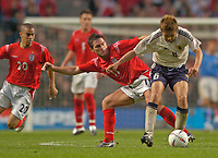 Fotball<br /> Photo. Jed Wee, Digitalsport<br /> NORWAY ONLY<br /> <br /> England v Japan, The FA Summer Tournament, 01/06/2004.<br /> England's Frank Lampard (L) tries to dispossess Japan's Junichi Inamoto.