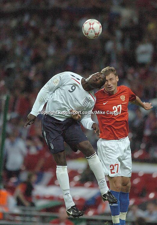 EMILE HESKEY battles with Russias ALEXEY BEREZUTSKIY ,  England-Russia, UEFA Euro 2008 Qualifier, Wembley 12/9/07