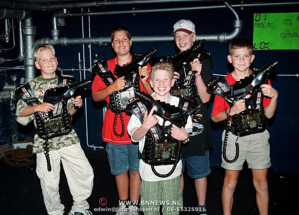 Kindervacantiewens 1999, lasergame bij Q zone Coronel