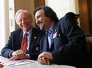 U.S. Senator Joe Lieberman (D-CT) has lunch with actor Ron Silver during while campaigning for the midterm elections at Three Brothers Diner in Hamden, Connecticut November 7, 2006.  REUTERS/Andrew Gombert  (UNITED STATES)<br />