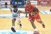 DESCRIZIONE : Caserta campionato serie A 2013/14 Pasta Reggia Caserta EA7 Olimpia Milano<br /> GIOCATORE : Curtis Jerrells<br /> CATEGORIA : tecnica<br /> SQUADRA : EA7 Olimpia Milano<br /> EVENTO : Campionato serie A 2013/14<br /> GARA : Pasta Reggia Caserta EA7 Olimpia Milano<br /> DATA : 27/10/2013<br /> SPORT : Pallacanestro <br /> AUTORE : Agenzia Ciamillo-Castoria/GiulioCiamillo<br /> Galleria : Lega Basket A 2013-2014  <br /> Fotonotizia : Caserta campionato serie A 2013/14 Pasta Reggia Caserta EA7 Olimpia Milano<br /> Predefinita :