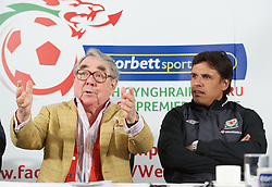 CARDIFF, WALES - Tuesday, August 14, 2012: Ronnie Corbett, the sporting ambassador for Corbett Sport, and Wales national team manager Chris Coleman at a press conference to launch the 2012/2013 Welsh Premier League at the St. David's Hotel. (Pic by David Rawcliffe/Propaganda)