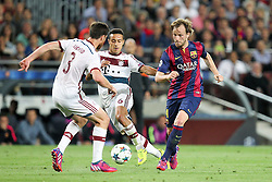 06.05.2015, Camp Nou, Barcelona, ESP, UEFA CL, FC Barcelona vs FC Bayern Muenchen, Halbfinale, Hinspiel, im Bild l-r: im Zweikampf, Aktion, mit Xabi Alonso #3 (FC Bayern Muenchen), Thiago Alcantara #6 (FC Bayern Muenchen) und Ivan Rakitic #4 (FC Barcelona) // during the UEFA Champions League semi finals 1st Leg match between FC Barcelona and FC Bayern Munich at the Camp Nou in Barcelona, Spain on 2015/05/06. EXPA Pictures © 2015, PhotoCredit: EXPA/ Eibner-Pressefoto/ Kolbert<br /> <br /> *****ATTENTION - OUT of GER*****