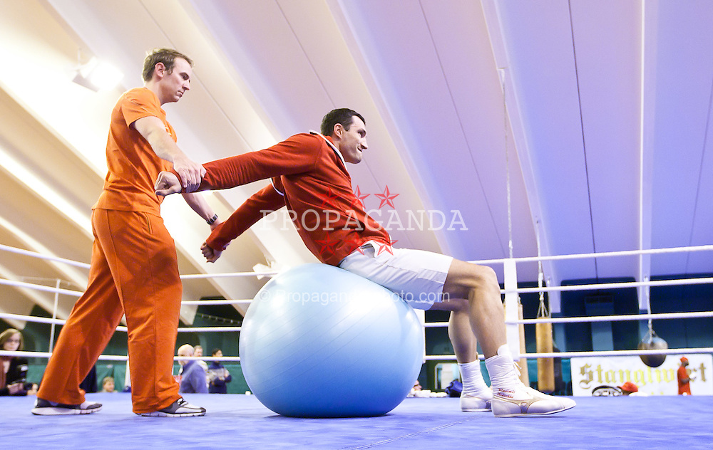 23.11.2010, Stanglwirt, Going, AUT, Vladimir Klitschko, Training, im Bild Vladimir Klitschko während des Trainings zur Kampfvorbereitung in der SAP Arena Mannheim gegen Derek Chisora // Vladimir Klitschko during the Prepaparation Training for the Fight against  Derek Chisora on November 23, Stanglwirt in Going, Tirol, EXPA Pictures © 2010, PhotoCredit: EXPA/ J. Feichter