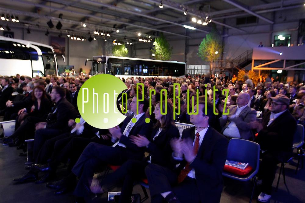Mannheim. EVO Bus. Mercedes Benz Werk Mannheim. Mannheimer Morgen Anzeige des Jahres 2008.<br /> Get Together und Award.<br /> <br /> <br /> Bild: Markus Pro&szlig;witz<br /> <br /> ++++ Archivbilder und weitere Motive finden Sie auch in unserem OnlineArchiv. www.masterpress.org ++++