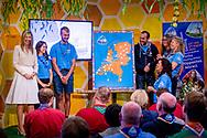 VOORBURG - Koningin Maxima bezoekt scoutinggroep Hubertus Brandaan in Voorburg. De vorstin is hier voor een bijeenkomst van de organisatie van Roverway 2018, een internationaal evenement voor scouts tussen de 16 en 22 jaar uit Europa. ANP ROYAL IMAGES ROBIN UTRECHT **NETHERLANDS ONLY**