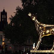 NLD/Utrecht/20080925 - Premiere Het Zusje van Katia, Gouden Kalf voor de Stadsschouwburg met op de achtergrond de Utrechtse Dom kerk