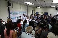 El director del Hopital Nacional de Maternidad  Jose Roberto Sanchez (4 I-D) ofrece una conferencia de prensa Martes JUN 04, 20123 en Ministerio de Salud, San Salvador, El Salvador para anunciar el proceso de intervencion medica en la ciudadana BC que había solicitado un aborto inducido y que la Sala de la Contitucional de nego a pesar que laCorte (IDH) emitio una resolusión en la que buscaba obligar al Estado salvadoreño a permiitr el aborto para salvaguardar la vida de la joven.(Photo: AP/Edgar Romero)