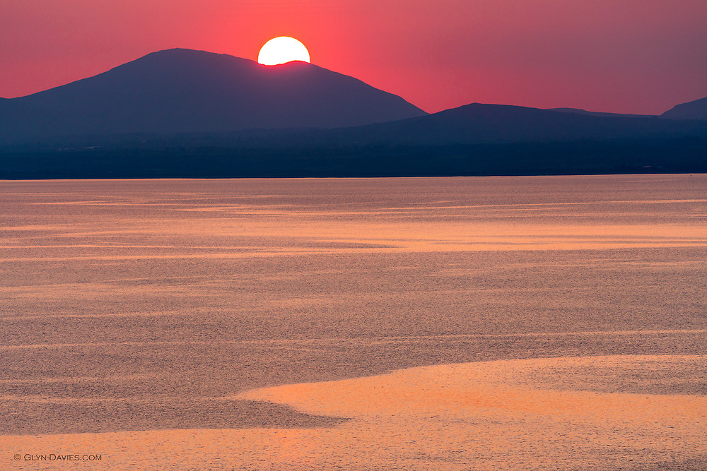 Not normally a fan of photographing sunsets, but the high viewpoint over the bay, the calm sea and the beautiful natural golden colours were too irresistible to avoid. Very relaxing and meditative to watch as the sun dipped lower.