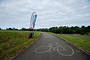 Langs het parcours staan diverse checkpoints waar de koeriers langs moeten gaan. In Nieuwegein wordt het NK Fietskoerieren gehouden. Fietskoeriers uit Nederland strijden om de titel door op een parcours het snelst zoveel mogelijk stempels te halen en lading weg te brengen. Daarbij moeten ze een slimme route kiezen.<br /> <br /> A checkpoint at the router. In Nieuwegein bike messengers battle for the Open Dutch Bicycle Messenger Championship.