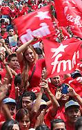 Los candidatos del partido de izquierda  del frente farabundo Marti fmln, Salvador Sanches  y Orcar Ortiz participan Domingo OCT 10,2013 en su mega jornada de recorrido por  El Salvador en  la campana electoral para los comicios de febrero de 2014. La izquierda que gobierna actualmente busca un segundo periodo presidencial. Photo: Franklin Rivera/fmln/Imagenes Libres.