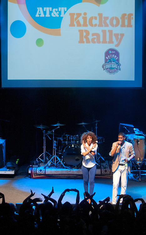 Wendy Raquel Robinson, left, and Fonzworth Bentley cohost the AT&T Kickoff Rally at the 9:30 Club in Washington, DC Friday night. (Photo by Alan Lessig)