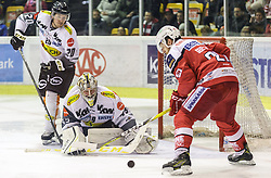 20.11.2016, Stadthalle, Klagenfurt, AUT, EBEL, EC KAC vs Dornbirner Eishockey Club, 21. Runde Grunddurchgang, im Bild Brian Conally (Dornbirner Eishockey Club, #20), Florian Hardy (Dornbirner Eishockey Club, #49), Manuel Geier (EC KAC, #21) // during the Erste Bank Eishockey League 21st match at preliminary round betweeen EC KAC vs Dornbirner Eishockey Club at the City Hall in Klagenfurt, Austria on 2016/11/20. EXPA Pictures © 2016, PhotoCredit: EXPA/ Gert Steinthaler
