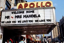 05.12.2013, Johannesburg, ZAF, Nelson Mandela, der Gigant des Humanismus ist im Alter von 95 Jahren in seinem Haus an den Folgen einer Lungenentzuendung gestorben, im Bild Activites surrounding the visit of Nelson and Winnie Mandela to New York City, June 1990 Apollo Theater welcomes the Mandela's visit // Nelson Mandela, giant of humanism died, his house, Johannesburg, South Africa on 2013/12/05. EXPA Pictures © 2013, PhotoCredit: EXPA/ Photoshot/ FRANCES M. ROBERTS<br /> <br /> *****ATTENTION - for AUT, SLO, CRO, SRB, BIH, MAZ only*****