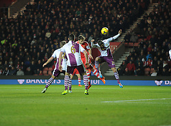 Southampton's Jay Rodriguez scores a header from a corner  to make it 1-1 - Photo mandatory by-line: Alex James/JMP - Tel: Mobile: 07966 386802 04/12/2013 - SPORT - Football - Southampton - St Mary's Stadium - Southampton v Aston Villa - Barclays Premier League