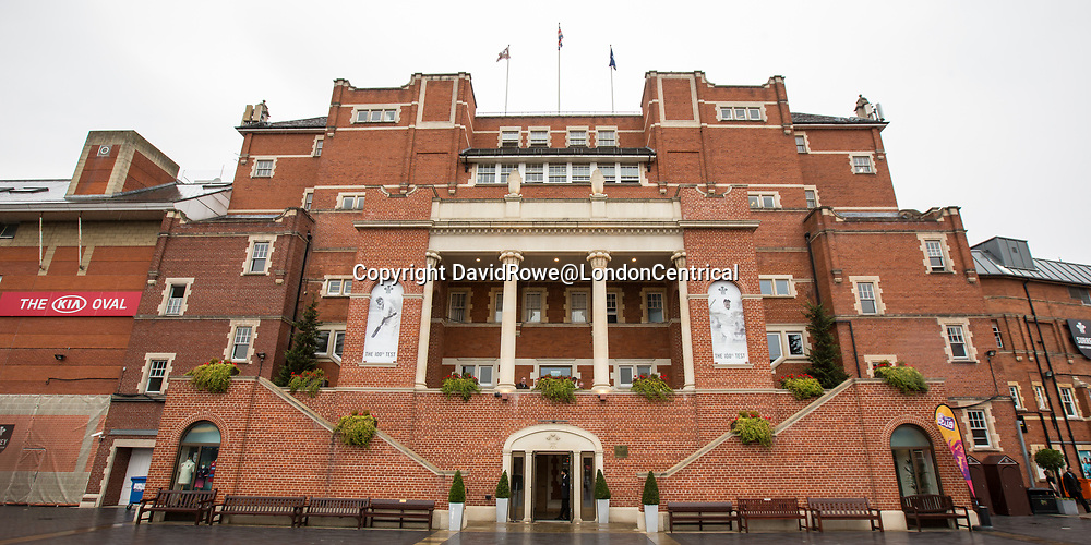 London,UK. 30 August 2017. The members pavilion as rain delays the start of play on day three of the Specsavers County Championship match at the Oval where Surrey are taking on  Middlesex. David Rowe/ Alamy Live News