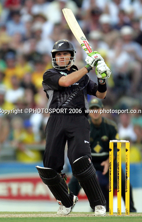 New Zealand opening batsman Lou Vincent during his innings of 66 at the one day international cricket match between New Zealand and Australia at the WACA ground in Perth on Sunday 28 January, 2007. Australia made 343/5 after winning the toss and batting first and in reply New Zealand scored 335/5. Australia won by 8 runs. Photo: Andrew Cornaga/PHOTOSPORT<br /><br /><br /><br />280107