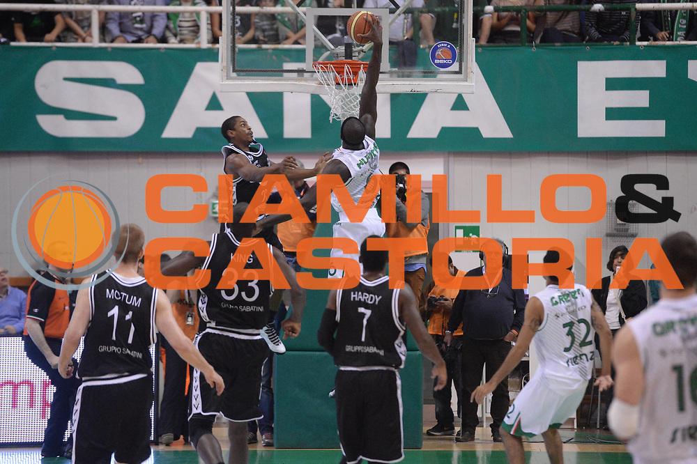 DESCRIZIONE : Siena  Lega serie A 2013/14 Montepaschi Siena Granarolo Bologna<br /> GIOCATORE : hunter othello<br /> CATEGORIA : controcampo schiacciata<br /> SQUADRA : Montepaschi Siena<br /> EVENTO : Campionato Lega Serie A 2013-2014<br /> GARA : Montepaschi Siena Granarolo Bologna<br /> DATA : 28/10/2013<br /> SPORT : Pallacanestro<br /> AUTORE : Agenzia Ciamillo-Castoria/GiulioCiamillo<br /> Galleria : Lega Seria A 2013-2014<br /> Fotonotizia : Siena Lega serie A 2013/14 Montepaschi Siena Granarolo Bologna<br /> Predefinita :
